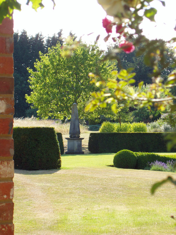 Private Garden, Surrey, image 2